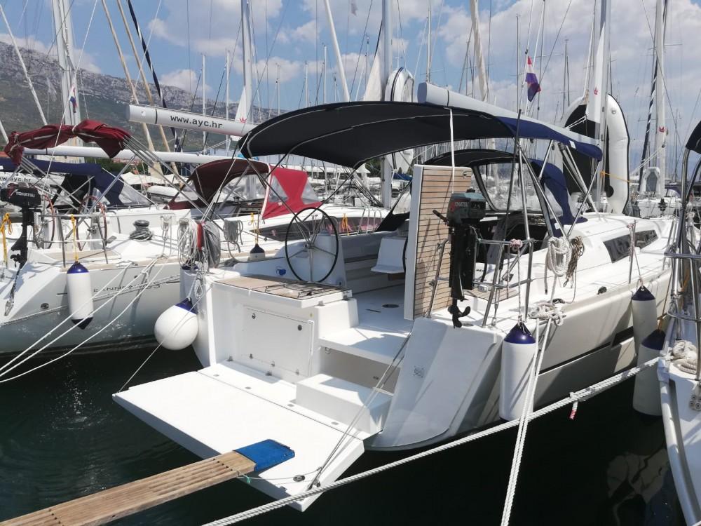 Rental yacht Kaštel Gomilica - Dufour Dufour 460 Grand Large on SamBoat