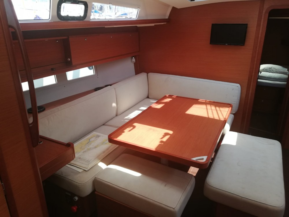 Rental Sailboat in Kaštel Gomilica - Dufour Dufour 460 Grand Large