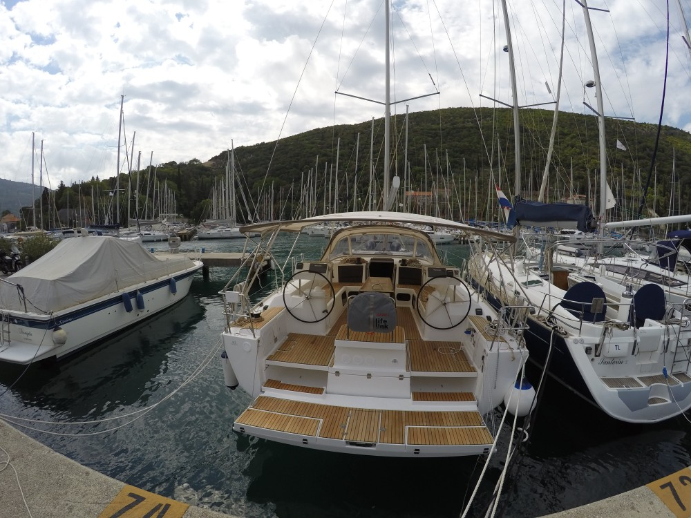 Rental Sailboat in Komolac - Dufour Dufour 512 Grand Large