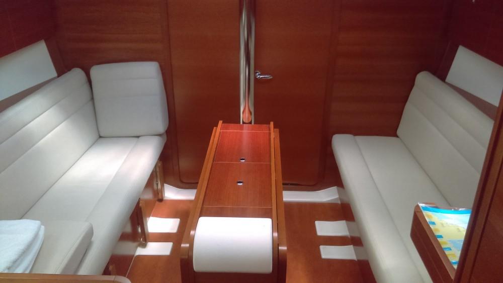 Rental Sailboat in Kaštel Gomilica - Dufour Dufour 350 Grand Large