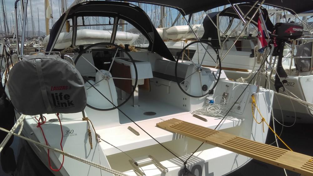 Boat rental Dufour Dufour 350 Grand Large in Kaštel Gomilica on Samboat