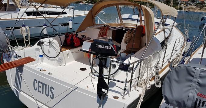 Rental Sailboat in Veruda - Dufour Dufour 382 Grand Large