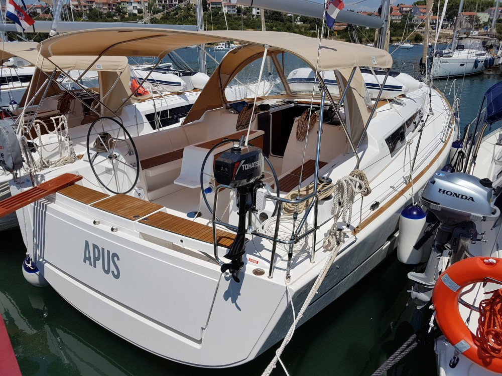 Boat rental Dufour Dufour 412 Grand Large in Pula on Samboat