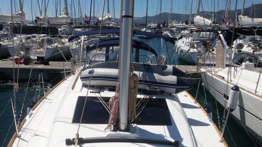 Rental Sailboat in Marina Kaštela - Dufour Dufour 382 Grand Large