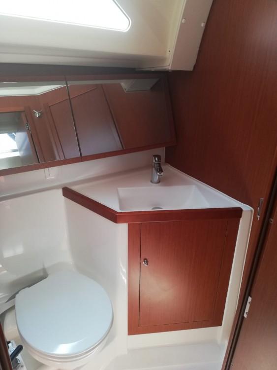 Rental yacht Medulin - Bénéteau Oceanis 41.1 on SamBoat