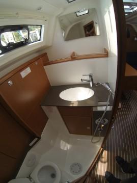 Rental Sailboat in Dubrovnik - Bavaria Bavaria Cruiser37