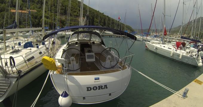 Boat rental Bavaria Bavaria Cruiser37 in Dubrovnik on Samboat