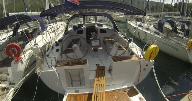 Boat rental Hanse Hanse 415 in Dubrovnik on Samboat