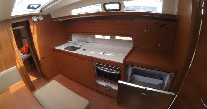 Rental Sailboat in Veruda - Dufour Dufour 460 Grand Large