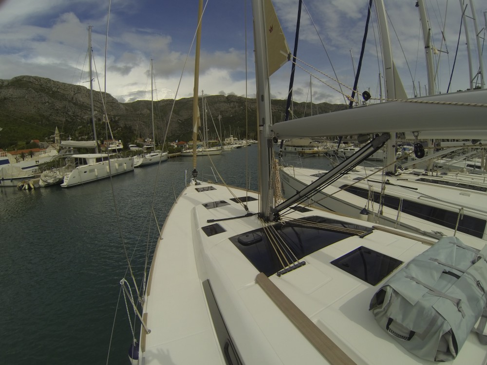Rental Sailboat in Komolac - Dufour Dufour 460 Grand Large