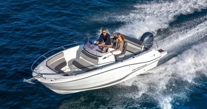 Boat rental Veruda cheap Jeanneau Cap Camarat 6.5 CC