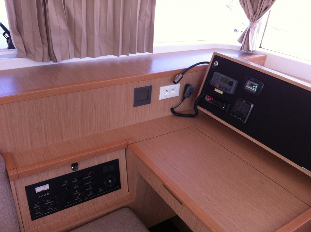 Catamaran for rent Komolac at the best price