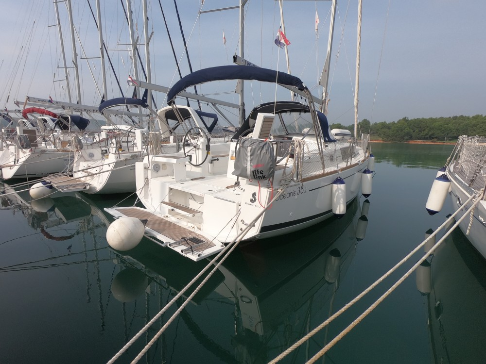 Rental yacht Marina Medulin - Bénéteau Oceanis 35.1 on SamBoat