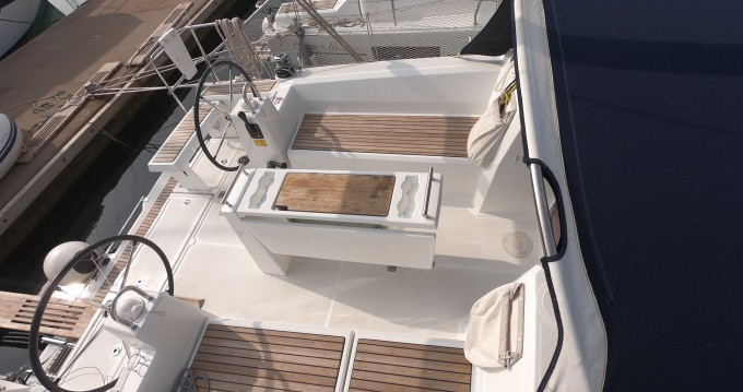 Hire Sailboat with or without skipper Bénéteau Medulin