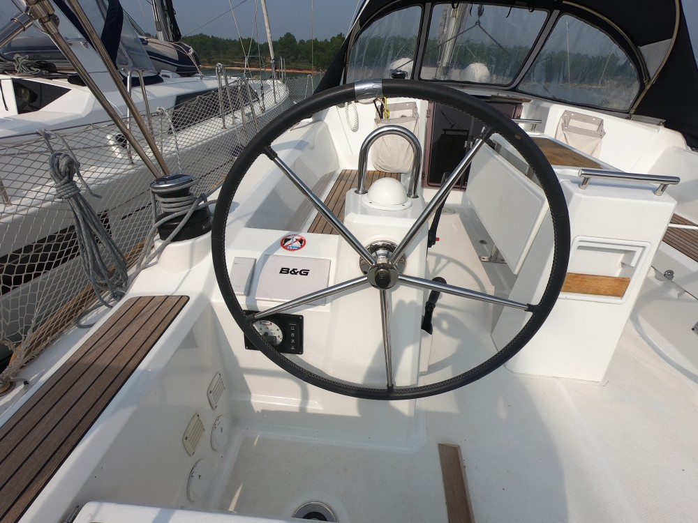 Sailboat for rent Marina Medulin at the best price