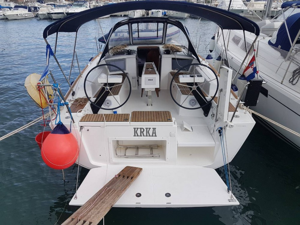 Rental Sailboat in Komolac - Dufour Dufour 360 Grand Large
