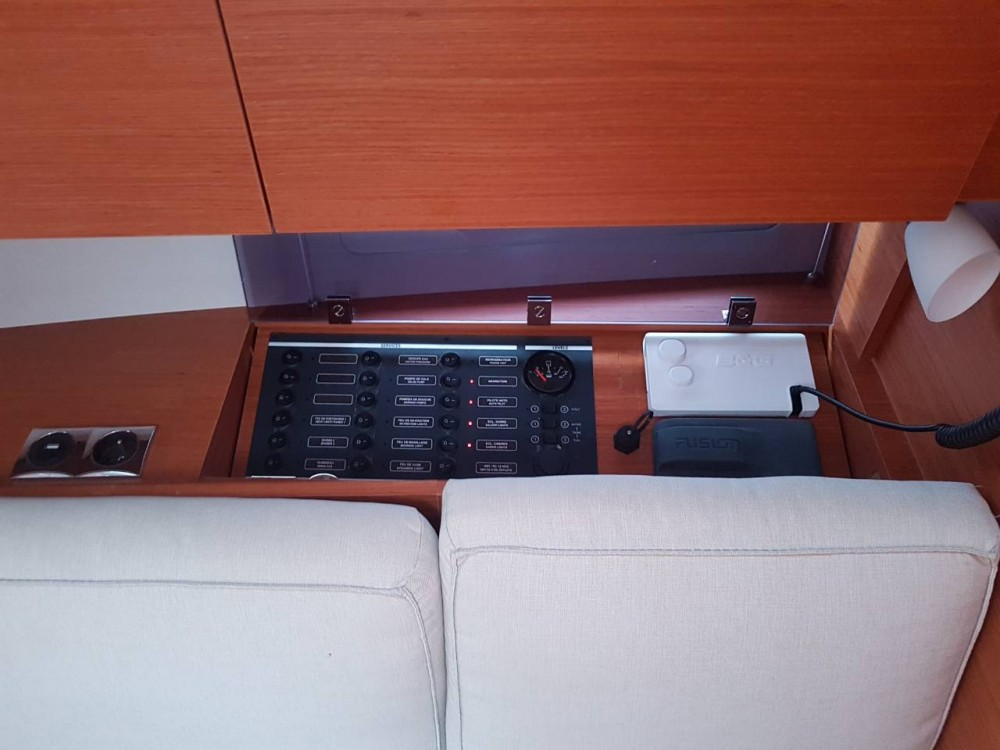 Boat rental Dufour Dufour 360 Grand Large in Komolac on Samboat
