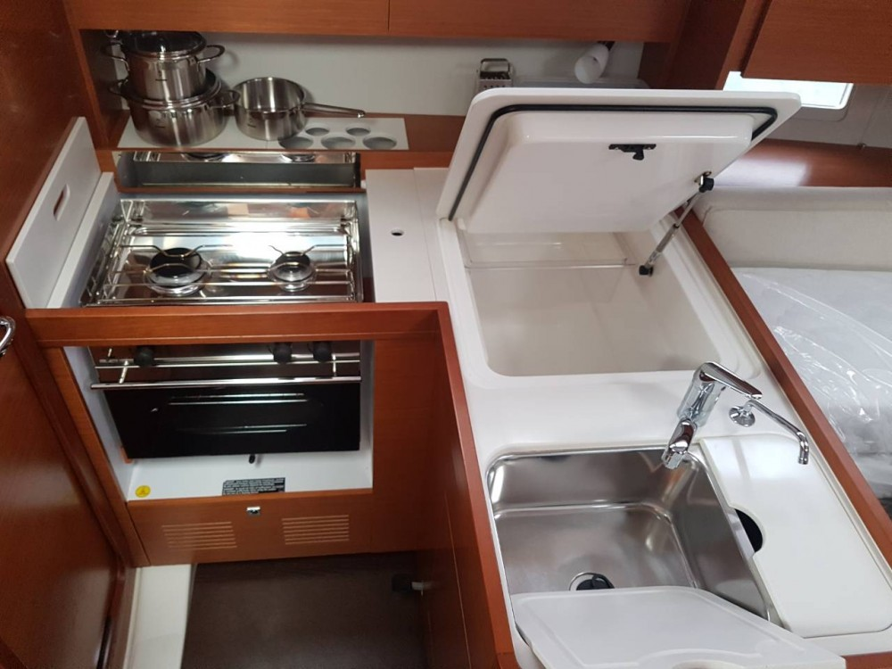 Boat rental Dufour Dufour 360 Grand Large in Komolac on Samboat