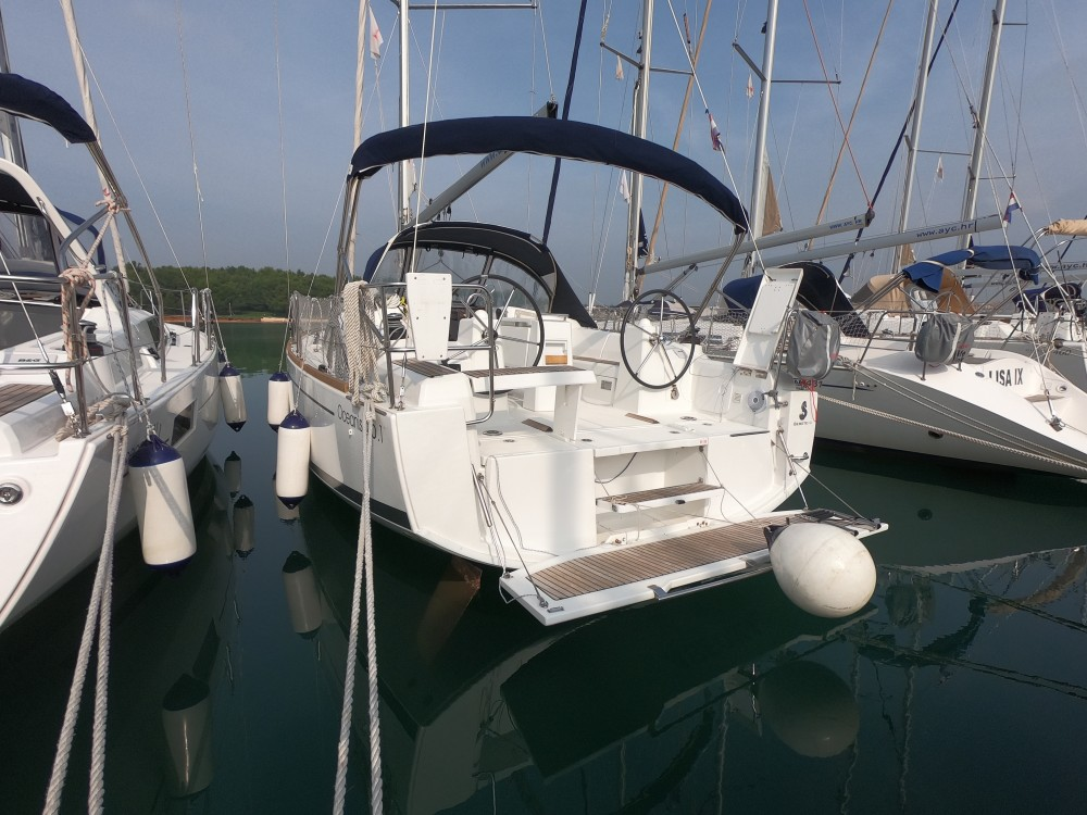 Boat rental Marina Medulin cheap Oceanis 35.1