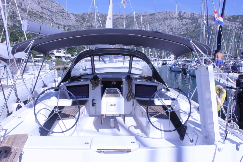 Boat rental Dufour Dufour 430 Grand Large in Komolac on Samboat