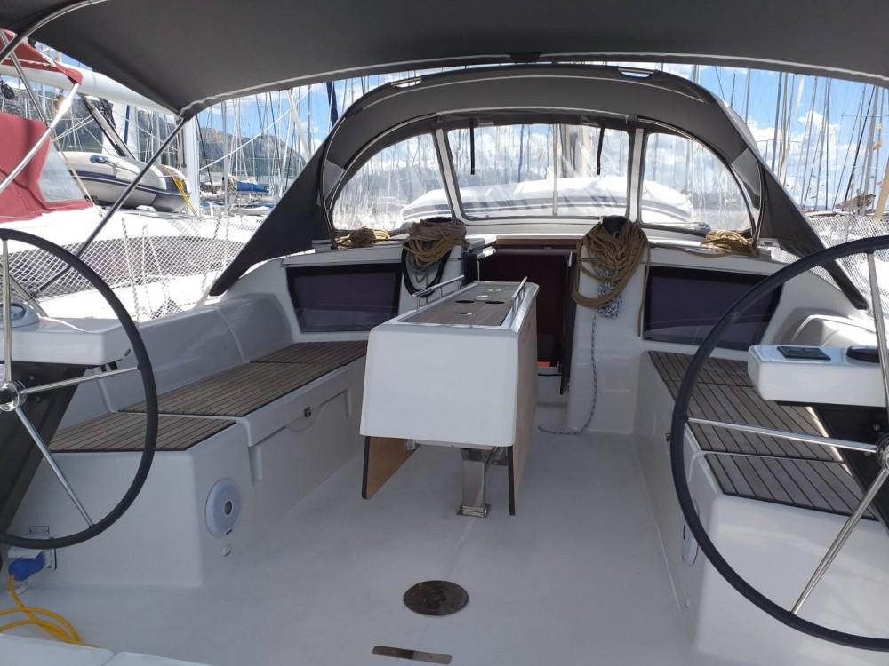 Rental Sailboat in Kaštel Gomilica - Dufour Dufour 430 Grand Large