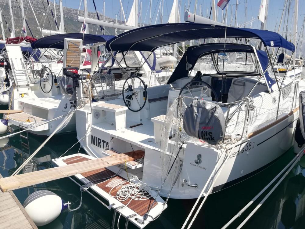 Boat rental Kaštel Gomilica cheap Oceanis 38.1