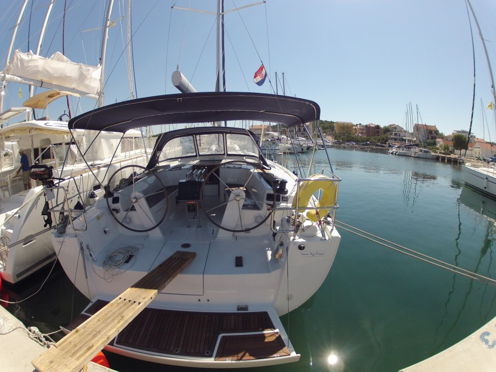 Hire Sailboat with or without skipper Hanse Medulin