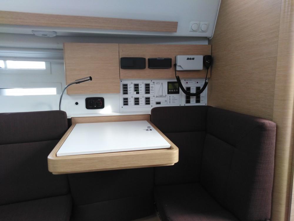 Boat rental Elan Elan 40 Impression in Biograd na Moru on Samboat