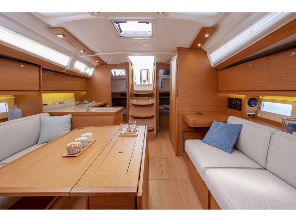 Boat rental Dufour Dufour 390 GL in Marmaris on Samboat