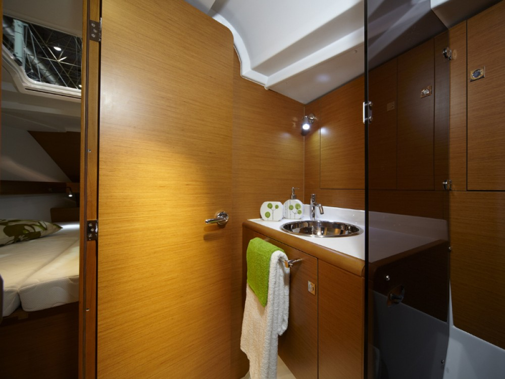 Jeanneau Sun Odyssey 439 between personal and professional Marmaris
