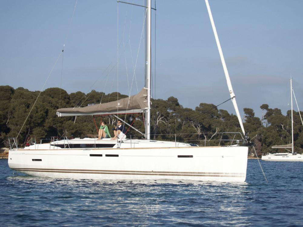 Boat rental Jeanneau Sun Odyssey 439 in Marmaris on Samboat
