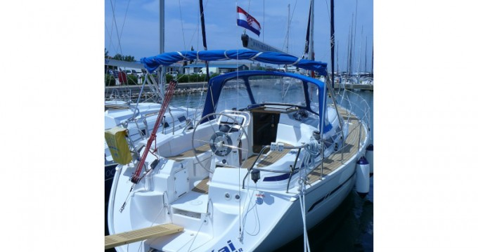 Boat rental Bavaria Bavaria 36 in Sukošan on Samboat