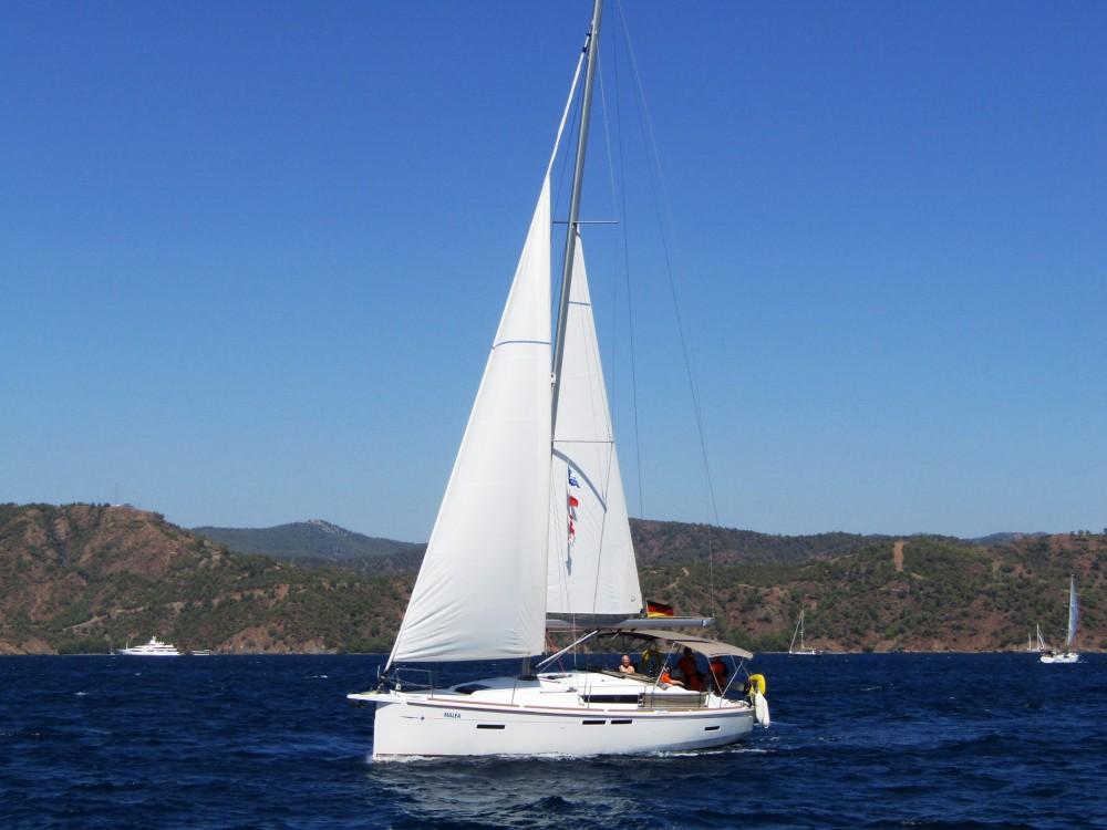 Boat rental Jeanneau Sun Odyssey 419 in Fethiye on Samboat