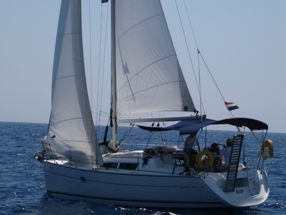 Rental yacht Fethiye - Jeanneau Sun Odyssey 32 i on SamBoat