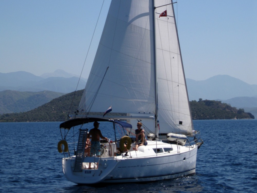 Jeanneau Sun Odyssey 32 i between personal and professional Fethiye