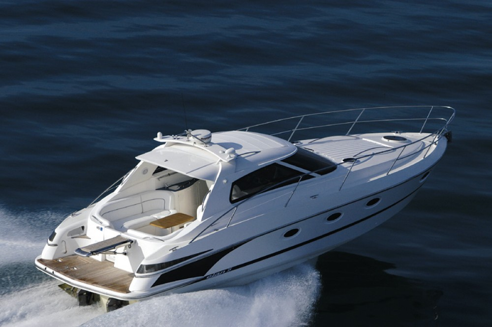 Hire Motor boat with or without skipper Elan Marina Pirovac