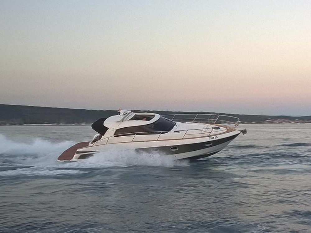 Motor boat for rent Marina Pirovac at the best price