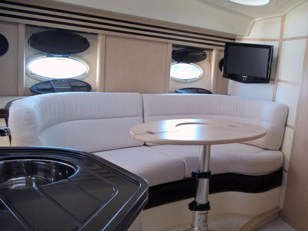 Motorboat for rent Pirovac at the best price