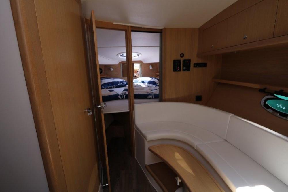 Rental yacht  -  Mirakul 30 on SamBoat