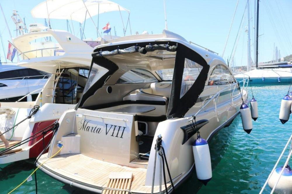 Rental Motorboat in  -  Mirakul 30