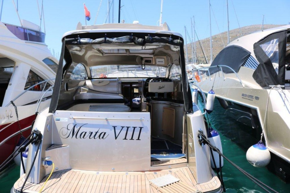 Boat rental  cheap Mirakul 30
