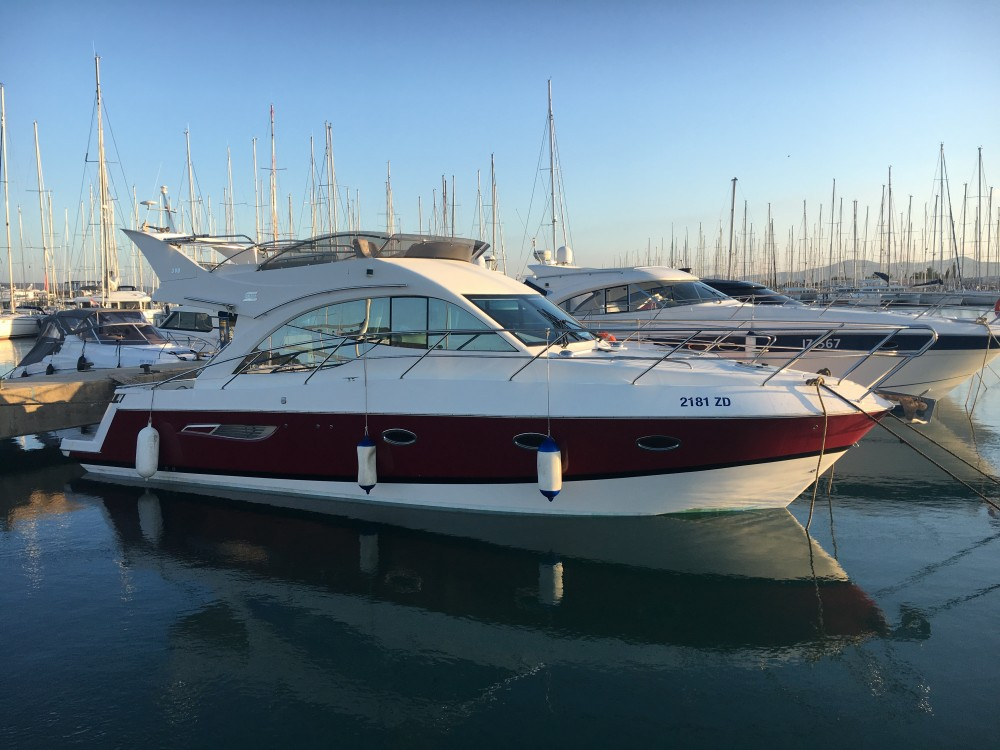 Boat rental Galeon Galeon 390 Fly in Marina Pirovac on Samboat