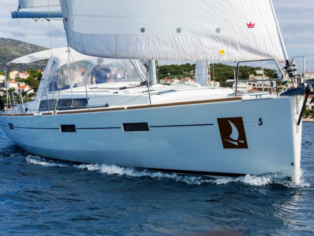 Bénéteau Oceanis 45 between personal and professional Baška Voda