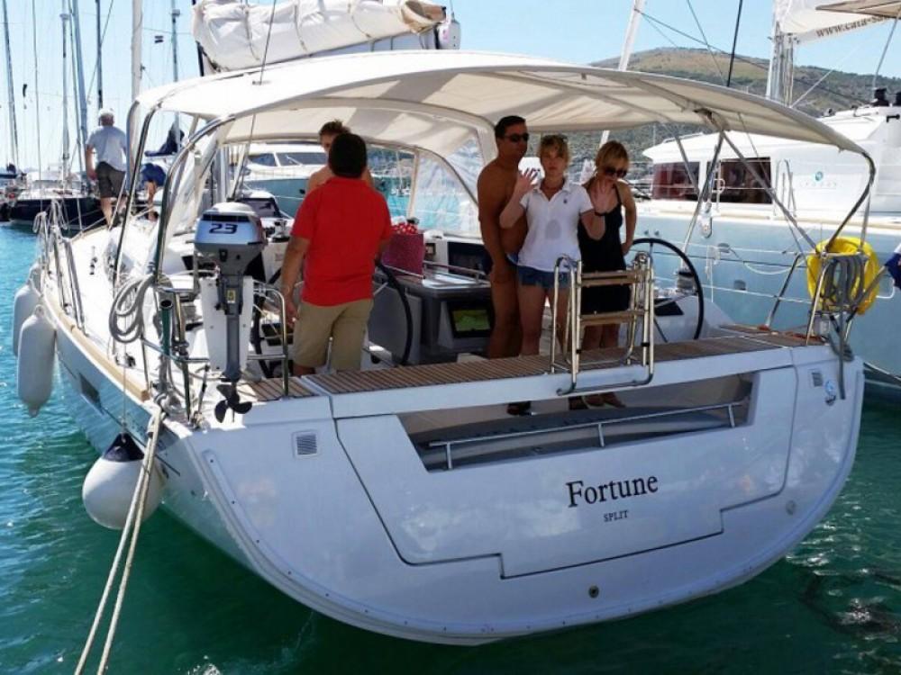 Rental Sailboat in Baška Voda - Bénéteau Oceanis 45