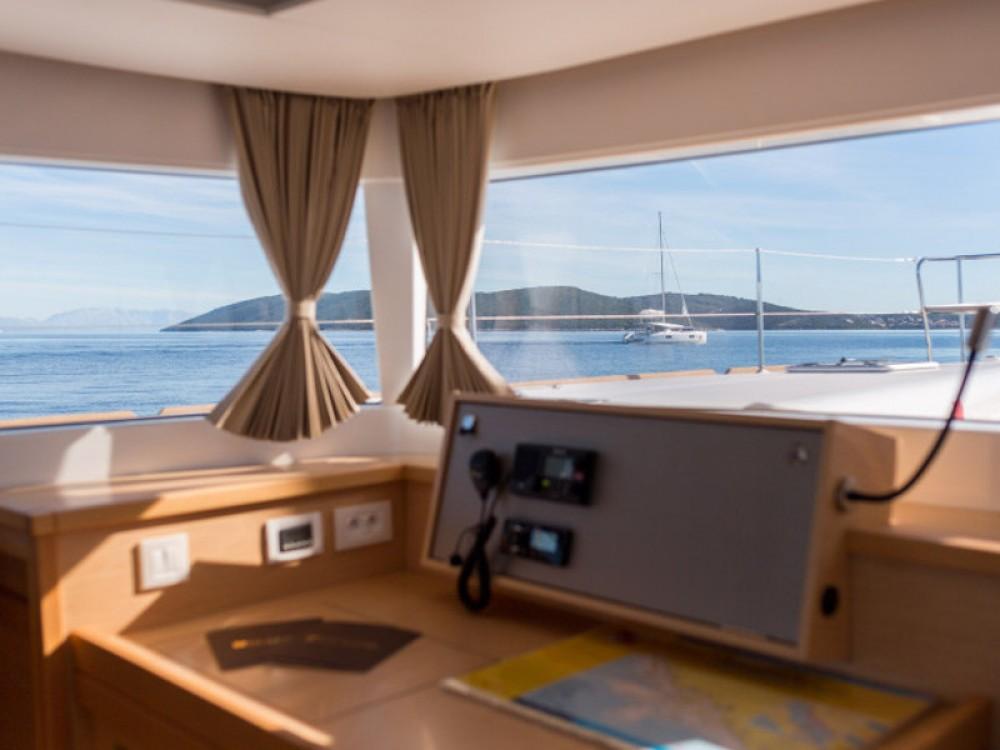 Rental Catamaran in Trogir - Lagoon Lagoon 450 F Luxury