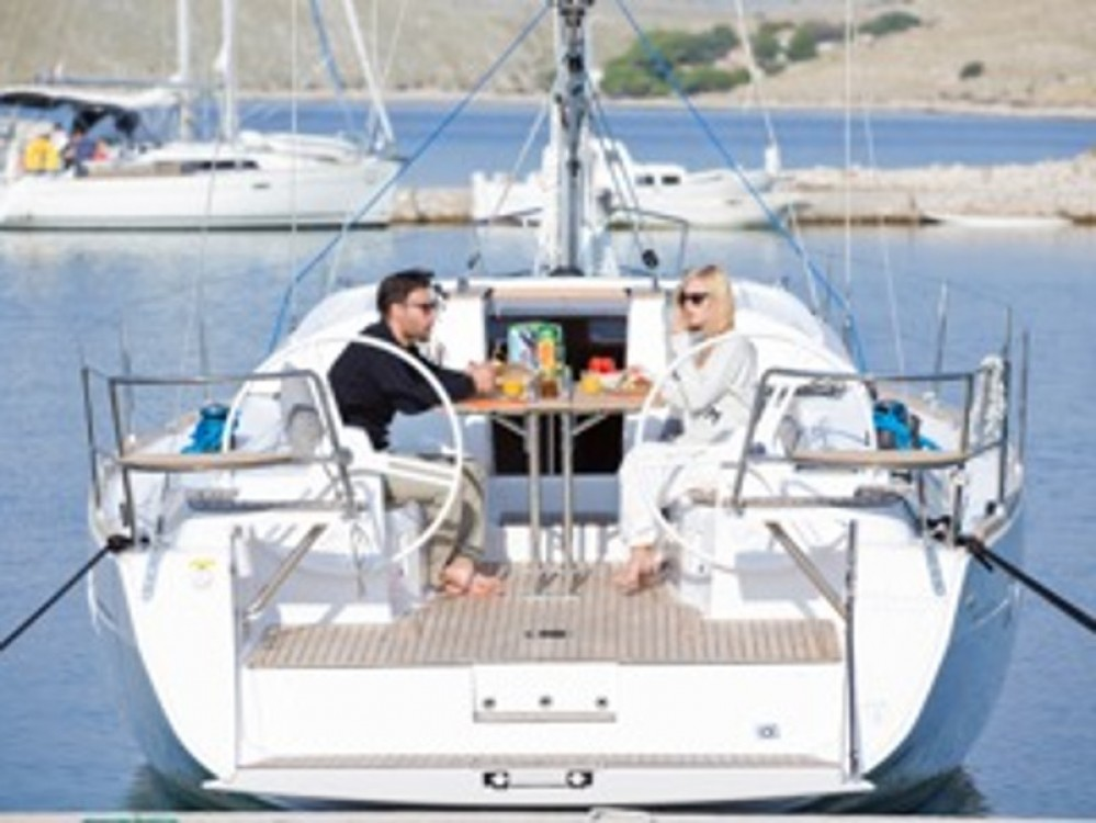 Hire Sailboat with or without skipper Elan Hjellestad Marina