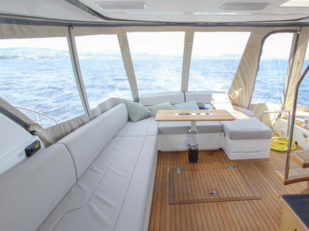 Boat rental Hjellestad Marina cheap Fairline Squadron 53