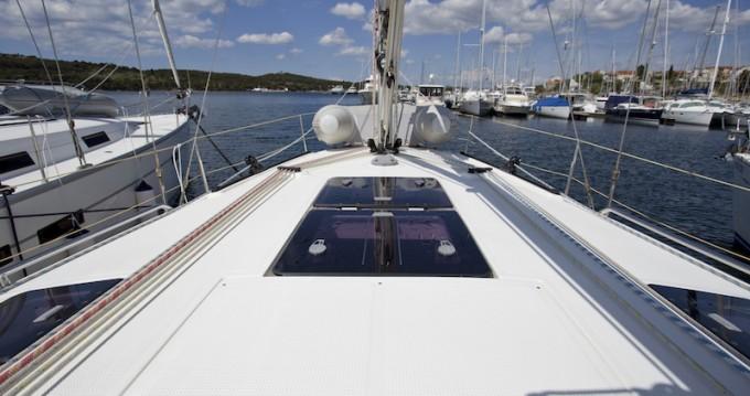 Rental yacht Šibenik - Bavaria Bavaria 36 Cruiser on SamBoat