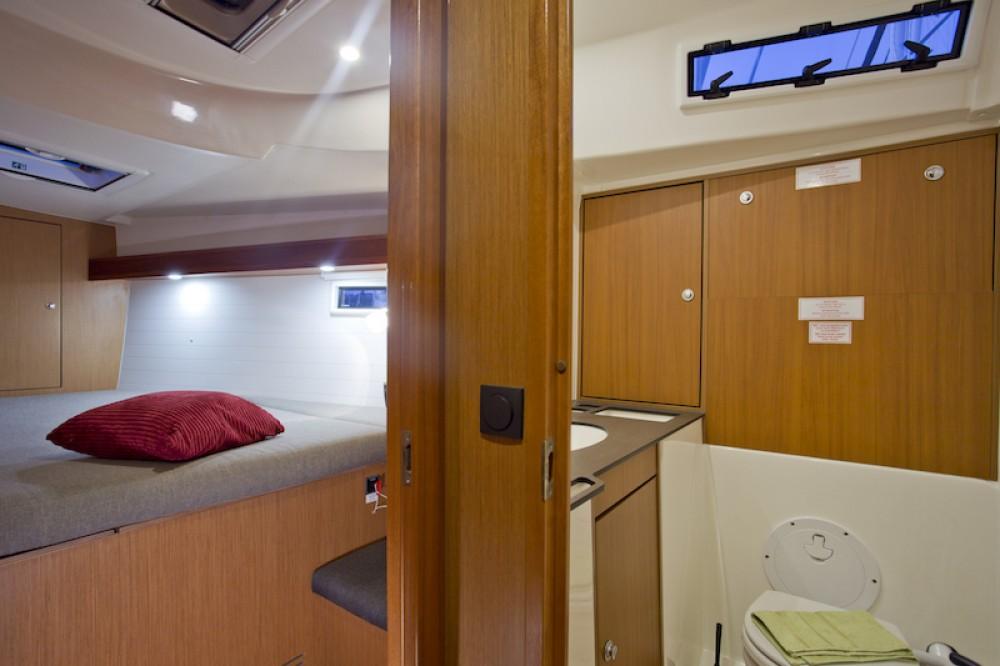 Boat rental Bavaria Bavaria 45 in Šibenik on Samboat