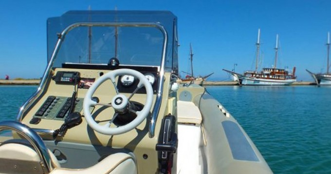 Rent a  Fost Obssesion 740 Lefkas Marina